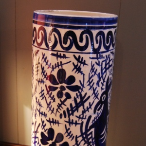 Vintage 1950s/1960s Spanish Handpainted Porcelain Stick Stand
