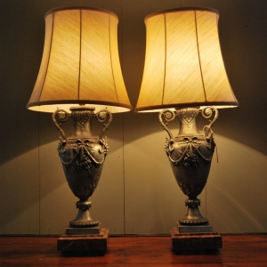 Pair of early 1930s Decorative Urn Lamps on Marble Base