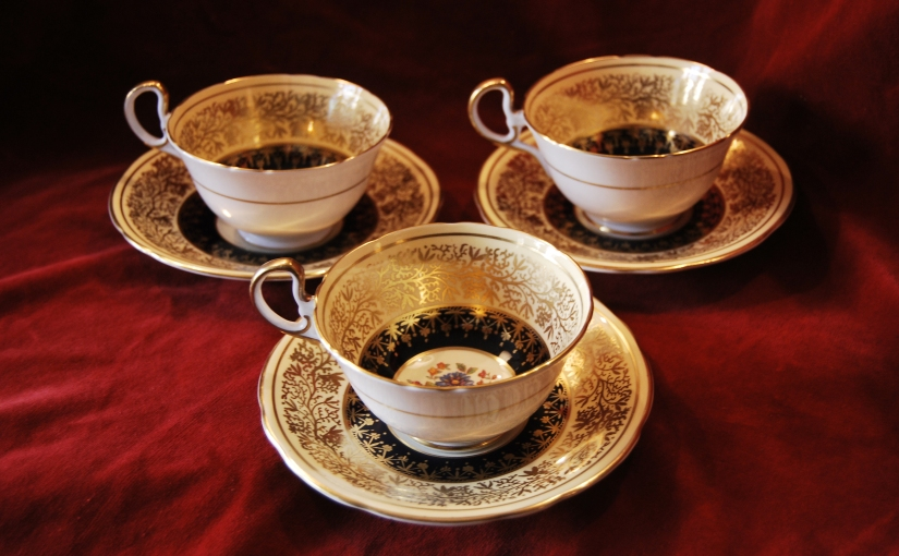 Set of 8 Aynsley Bone China Cups & Saucers,SOLD