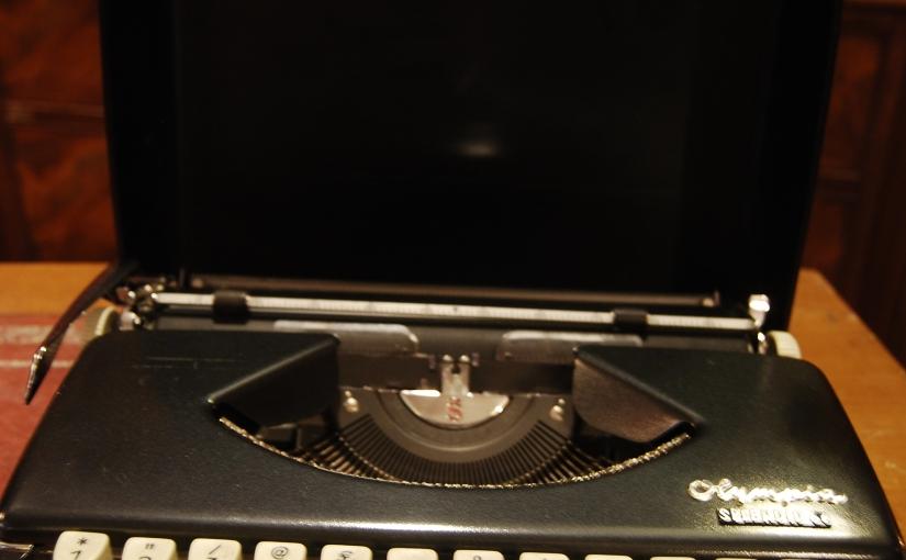 "Vintage Olympia Typewriter ""Splendid 66"" Model£38"