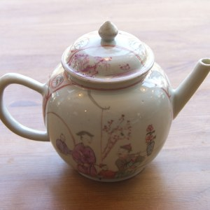 Late 18th century hand finished Chinese tea-pot