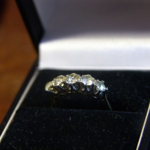 Vintage 18 Carat Gold & Platinum Set Ring