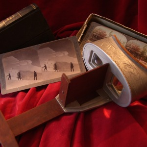 Edwardian 'Underwood & Underwood' Stereoscope with two sets of Original Slides