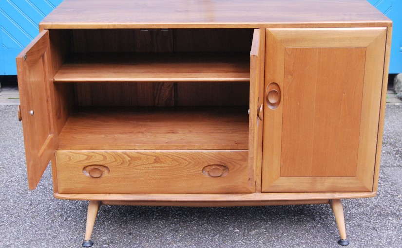 Original 1960s Ercol Solid Elm Sideboard with Drawer & Cutlery Tray