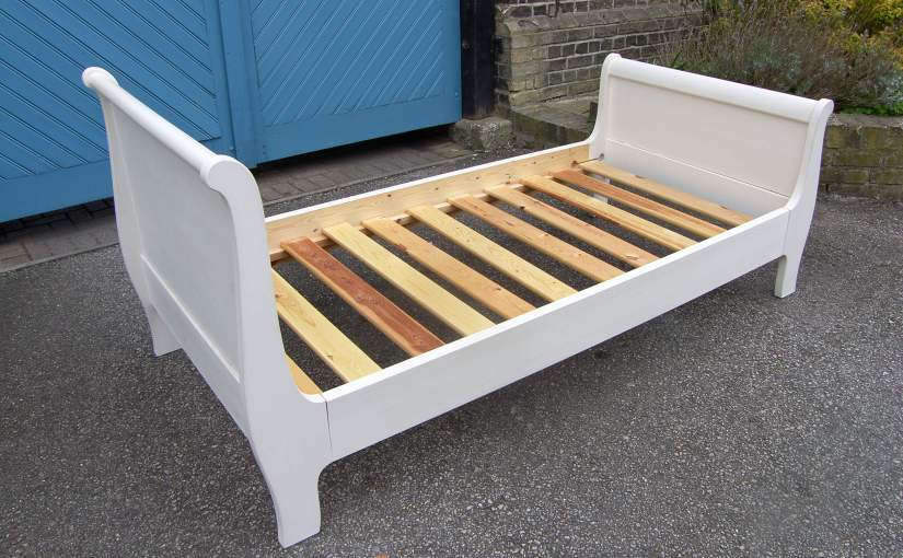 Lovely Quality White Painted Single Sleigh Bed with Slats,SOLD
