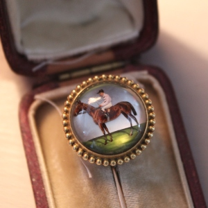 Decorative Essex Crystal Stick Pin Brooch in 15ct Gold
